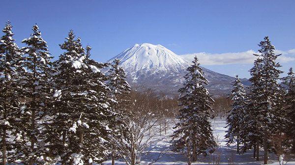 best skiing in japan